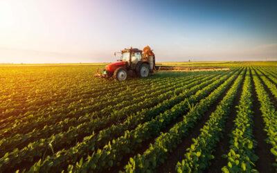 Gdzie rolnik uczy się, jak stosować środki ochrony roślin?